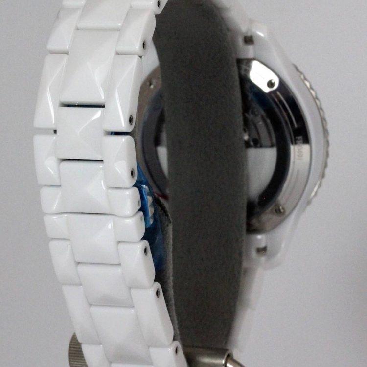 Dior VIII 38mm automatique céramique blanche cadran argenté opalin serti diamants bracelet céramique blanche